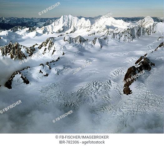 Aerial shot, Mt.Aoraki, Mount Cook and Mount Tasman, view from the north, Aoraki/Mount Cook National Park, Mackenzie District, Canterbury, South Island