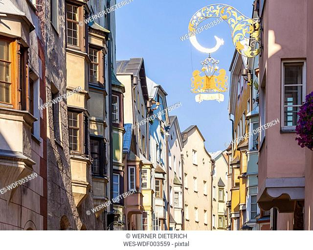 Austria, Tyrol, Hall in Tirol, alley in old town with typical bay windows