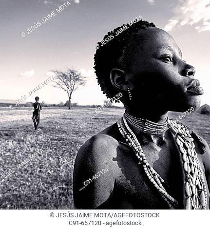 Hamer girl. South Ethiopia. African tribes