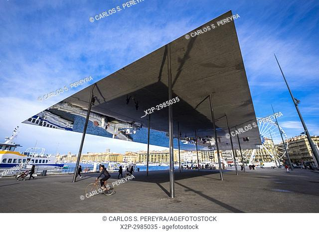 Shade of 1000 square metres of polished stainless steel, architect Norman Foster, built in 2013 at the old harbour, Marseille, France, Europe