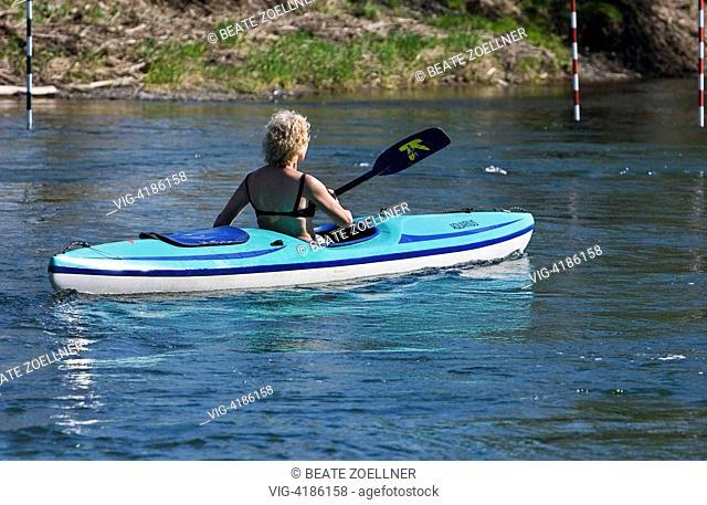 Kayak trip on the Ruhr - Schwerte an der Ruhr, Nordrhein-Westfalen, Germany, 14/04/2007