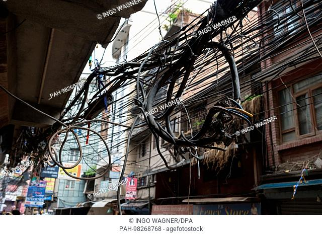 Electrical leads in the streets of the Nepali capital Kathmandu.   usage worldwide. - Kathmandu/Nepal