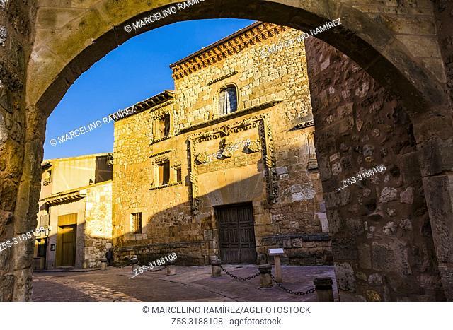 Medieval arch of entrance and back Palace of Los Contreras. Ayllon, Segovia, Castilla y leon, Spain, Europe