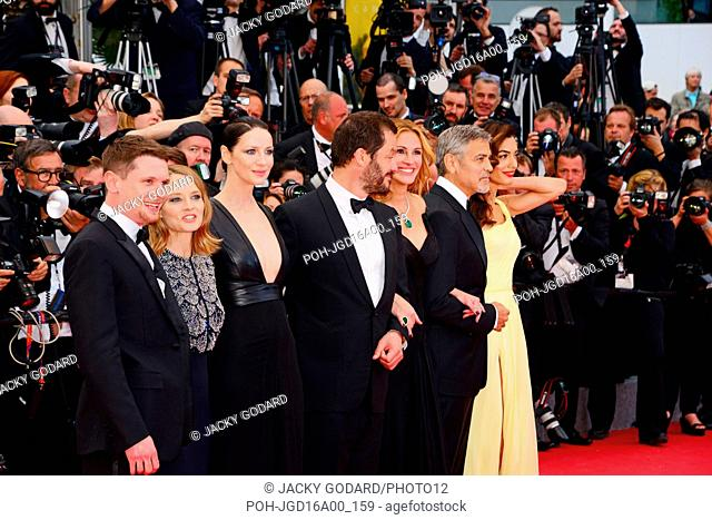 Crew of the film 'Money Monster' Jodie Foster, Julia Roberts et George Clooney Arriving on the red carpet for the movie 'Money Monster' 69th Cannes Film...