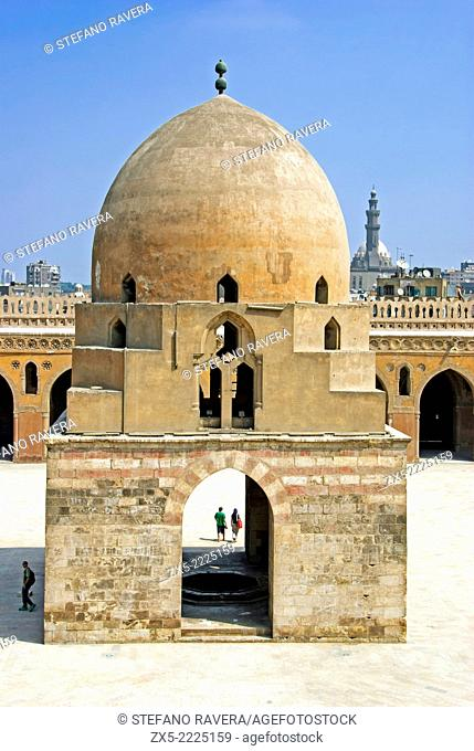 Fountainin the courtyard of the Ibn Tulun Mosque - Cairo, Lower Egypt