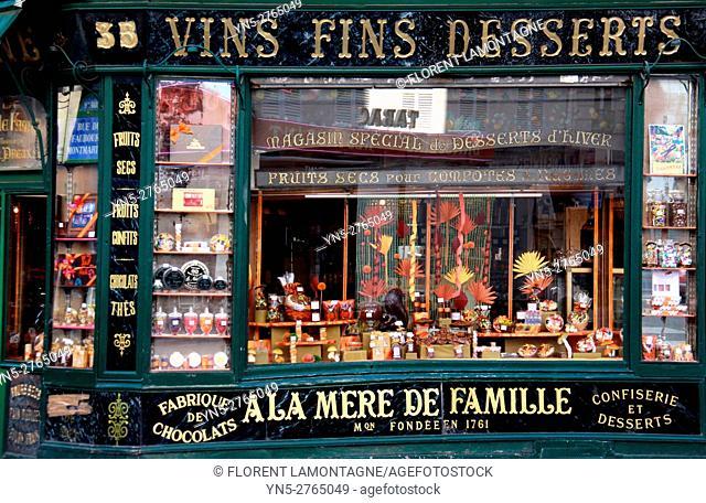 Grocery's store À la mère de Famille in Paris, Ile de France