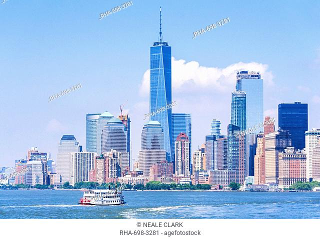 Lower Manhattan skyline, New York skyline, One World Trade Center tower, tour boat, Hudson River, New York, United States of America, North America
