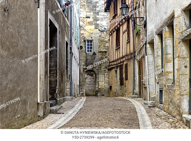 street scene, old town of Périgueux, World Heritage Sites of the Routes of Santiago de Compostela in France, Dordogne, Aquitaine, France, Europe