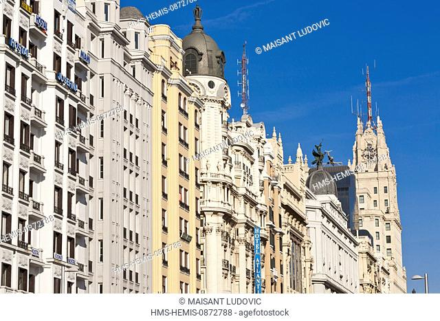 Spain, Madrid, Gran Via, downtown main artery with buildings from the early 20th century, Edificio Telefonica of architect Ignacio de Cardenas Pastor in 1929 in...