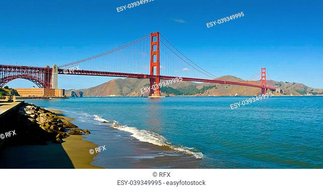Panoramic view of Golden Gate bridge from Crissy Field, San Francisco