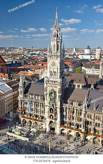 The beautiful Neue Rathaus town hall at the Marienplatz in Munich, Germany