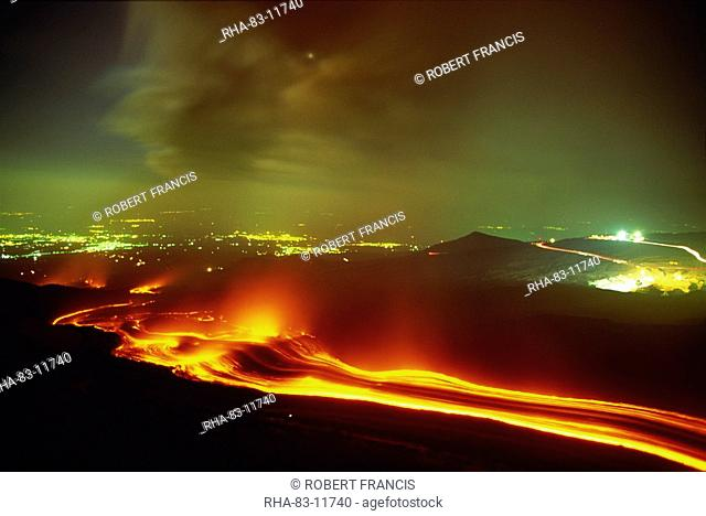 Lava flow from the Monti Calcarazzi fissure on the flank of Mount Etna in 2001 which threatened Nicolosi below, Sicily, Italy, Europe