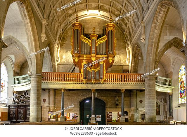 PORT OF SAINT-GOUSTAN, BRITTANY, FRANCE: Interior view of the Church of Saint-Sauvert