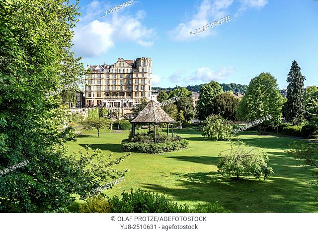 View over the Parade Gardens at the riverbanks of the River Avon, Bath, Somerset, England