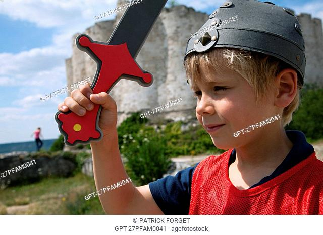 DEFENDING THE ENTRY OF CHATEAU GAILLARD, 'INTO THE ATTACK' ACTIVITIES FOR CHILDREN, FORTIFIED CASTLE BUILT BY RICHARD THE LIONHEARTED BETWEEN 1196 AND 1198