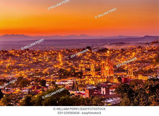 San Miguel de Allende, Mexico, Sunset Miramar, Overlook Parroquia Archangel Church CChurches Houses