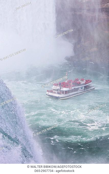 USA, New York, Niagara Falls, American Falls, tourboat