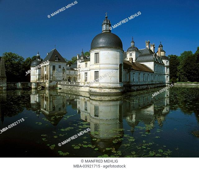 France, Burgundy, department yonne, Tanlay, chateau de Tanlay, ditch, palace, water-palace, moat, bridge, ditch, water, construction, historically, sight