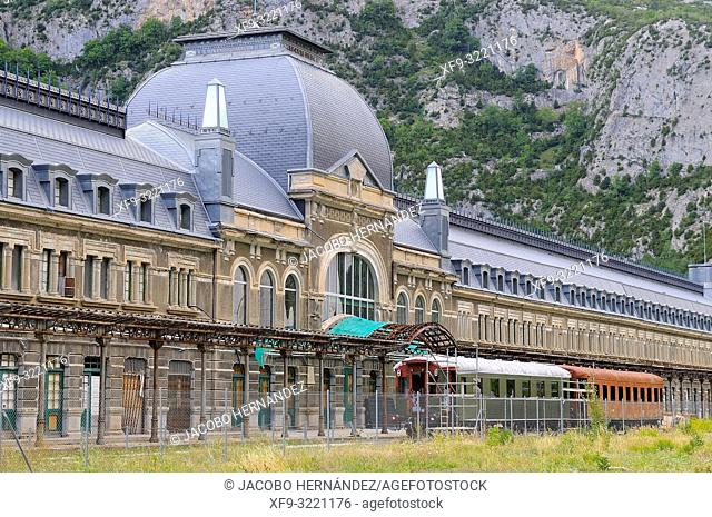 Canfranc International Train Station in the Pyrenes. Canfranc. Huesca province. Aragón. Spain