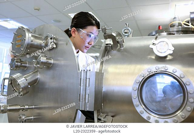 Researcher. Vacuum chamber for tribological measurements. Laboratory surfaces. Tecnalia Research and Innovation. Donostia. San Sebastian. Gipuzkoa