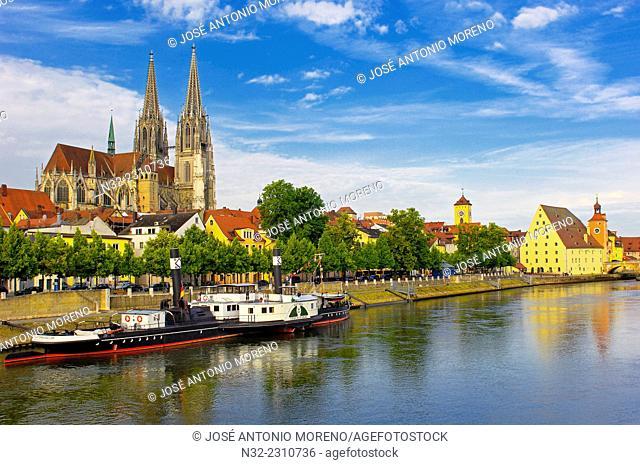 Regensburg, St Peter's Cathedral, Danube River, Upper Palatinate, Bavaria, Germany