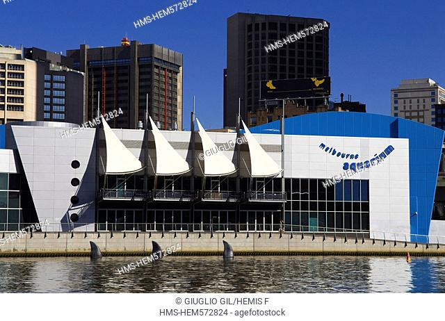 Australia, Vicoria, Melbourne, Aquarium on Yarra River seen from Southbank dock side