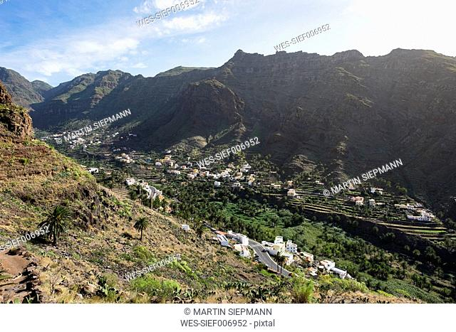 Spain, Canary Islands, La Gomera, Valle Gran Rey, View to mountain villages Los Granados and Chele