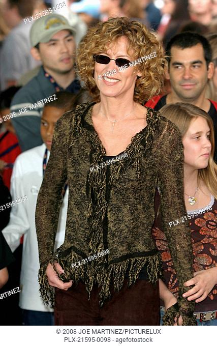 Dr. Seuss's: The Cat in the Hat Premiere 11-8-03 Christine Lahti Photo By Joe Martinez