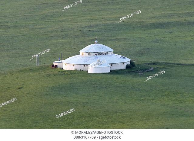 China, Inner Mongolia, Hebei Province, Zhangjiakou, Bashang Grassland, Collinean landscape with a yurt