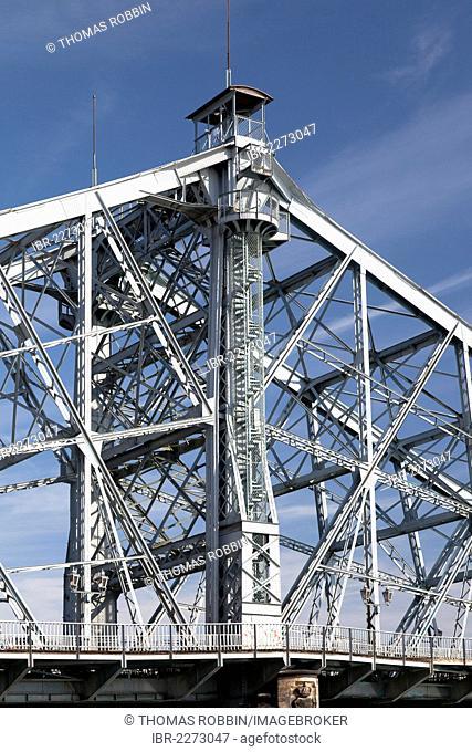 Loschwitz Bridge, also known as Blue Wonder, Blasewitz, Loschwitz, Dresden, Saxony, Germany, Europe, PublicGround