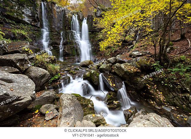 Dardagna waterfalls in autumn, Corno Alle Scale Regional Park, Lizzano in Belvedere, Emilia Romagna, Italy