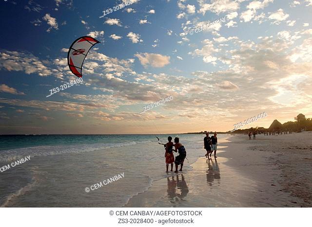 Teacher giving a kitesurf class, Tulum, Quintana Roo, Yucatan, Mexico