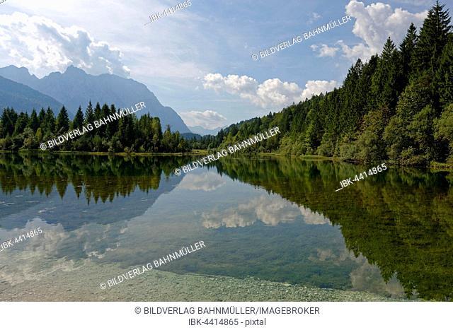 Isarstausee and Karwendel, reservoir, Isar nature trail, Krün, Mittenwald, Upper Bavaria, Bavaria, Germany