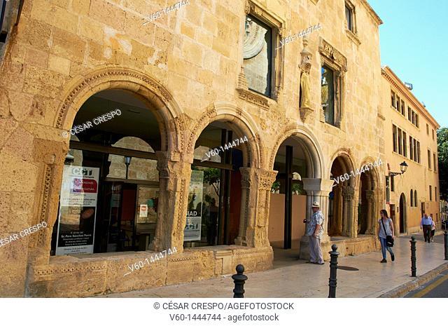 -Bows Roman's Reminiscence- Tarragona (Spain)