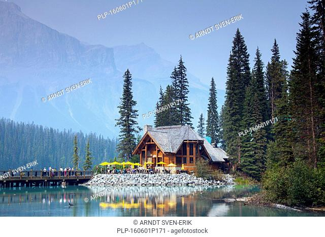 Tourists at Emerald Lake Lodge, conference centre along Emerald Lake, Yoho National Park, British Columbia, Canada