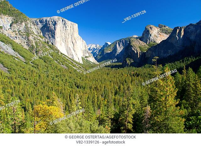 Yosemite Valley from Tunnel View, Yosemite National Park, CA