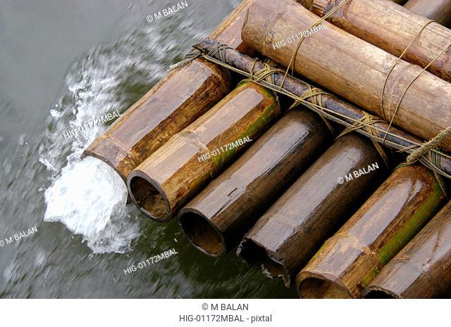BAMBOO RAFT IN PERIYAR LAKE
