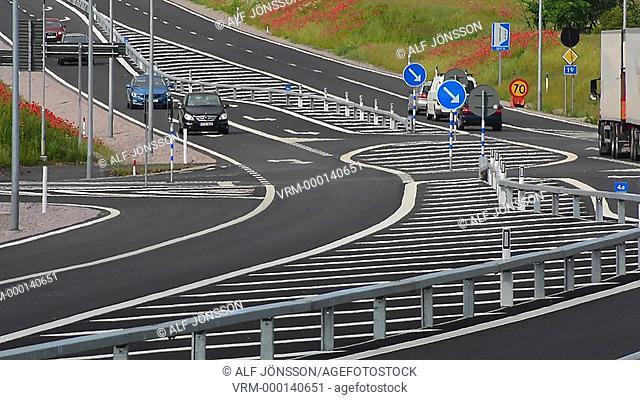 Car traffic on a new road