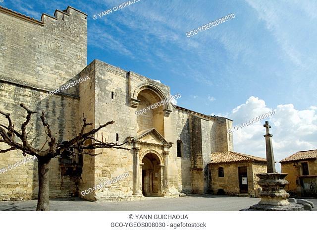 CHURCH AT SAINT-RESTITUT - DRÔME - PROVENCE - FRANCE
