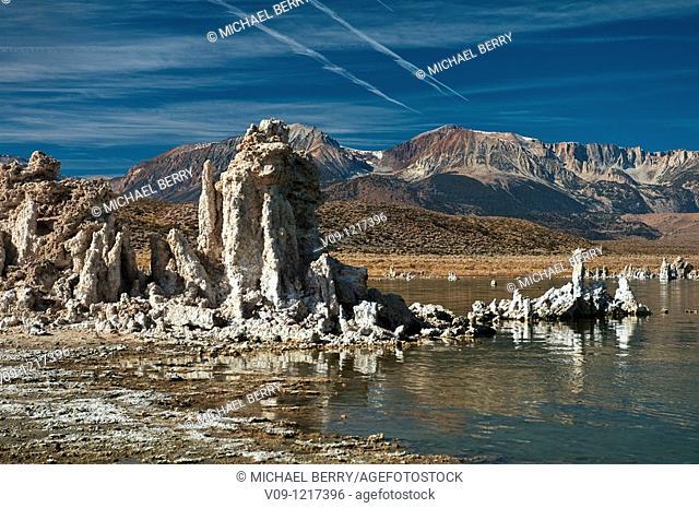 Mono Lake, south tufas with Eastern Sierras