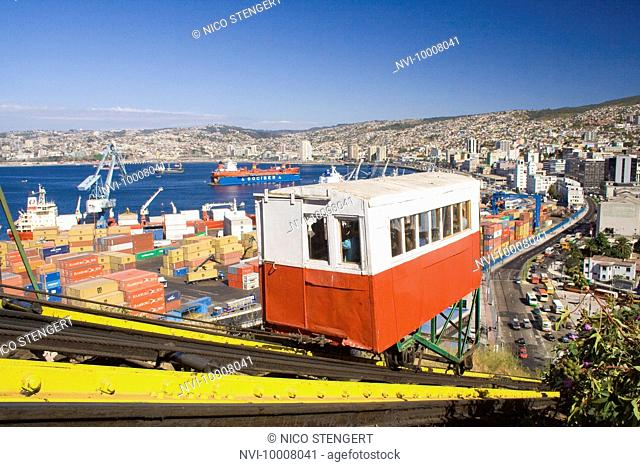 San Augustin cable car, Valparaiso, Chile, South America
