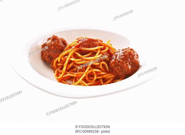 Spaghetti al ragù Spaghetti with meatball ragout
