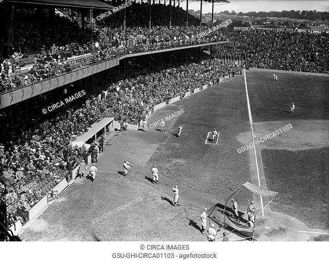 Major League Baseball Game, Griffith Stadium, Washington DC, USA, circa 1924