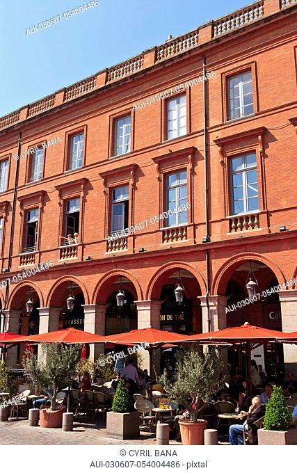 France, Toulouse, [capitol square], [red building], Place du Capitole