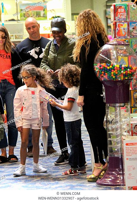 Mariah Carey goes shopping at Tom's Toys with her twins Moroccan and Monroe Featuring: Mariah Carey, Moroccan Scott Cannon, Monroe Cannon Where: Beverly Hills