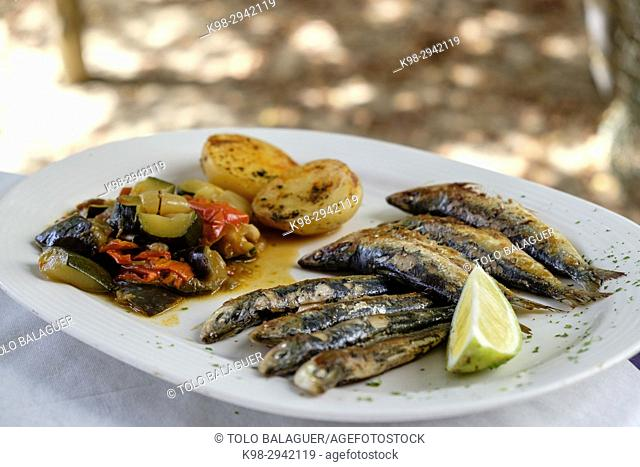 Grilled sardines, restaurante Es Codol Foradat, Beach Club, Formentera, Balearic Islands, Spain