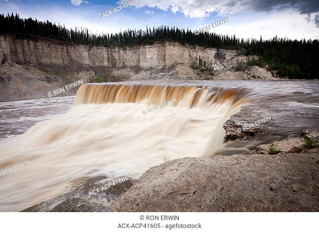 Louise Falls on the Hay River, Louise Falls Campground & Day Use Area, Twin Falls Territorial Park, Northwest Territories, Canada