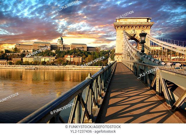 Szecheni Lanchid  Chain Bridge   Suspension bridge over the Danube betwen Buda & Pest  Budapest Hungary