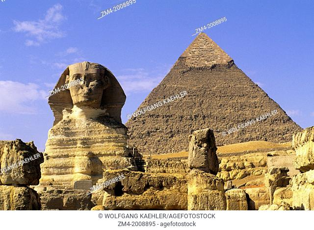 EGYPT, CAIRO, GIZA, SPHINX WITH CHEFREN PYRAMID IN BACKGROUND