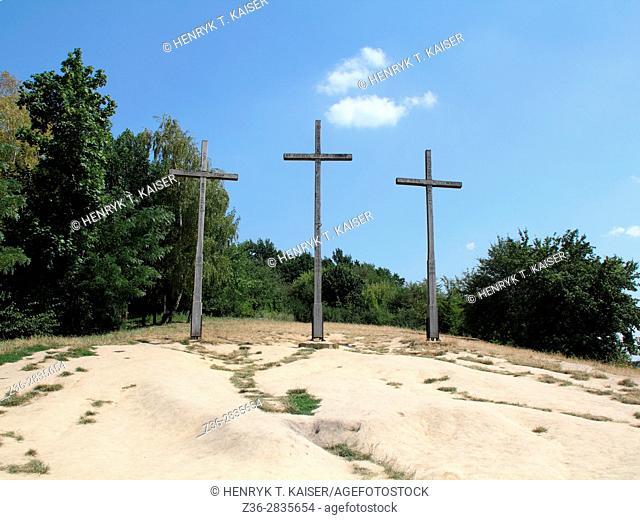 Three crosses mount ( Gora Trzech KrzyŠ¼y) in Kazimierz Dolny, Poland